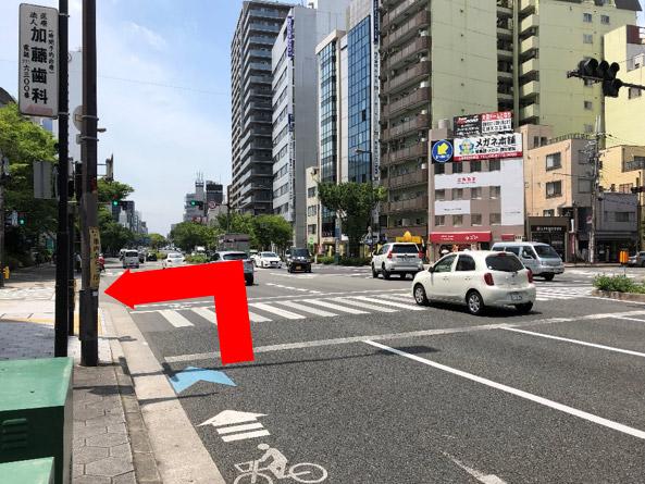 千日前通り(鶴橋方面から)小橋町交差点を左折